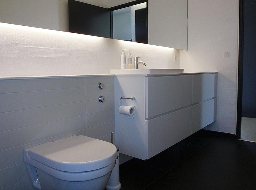 Bonnelycke mdd interior designed all white bathroom in private home.