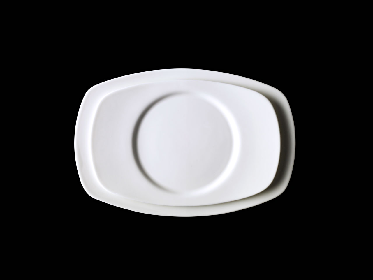 Bent Brandt - TABL white bone china S1 oval saucer on S1 oval plate