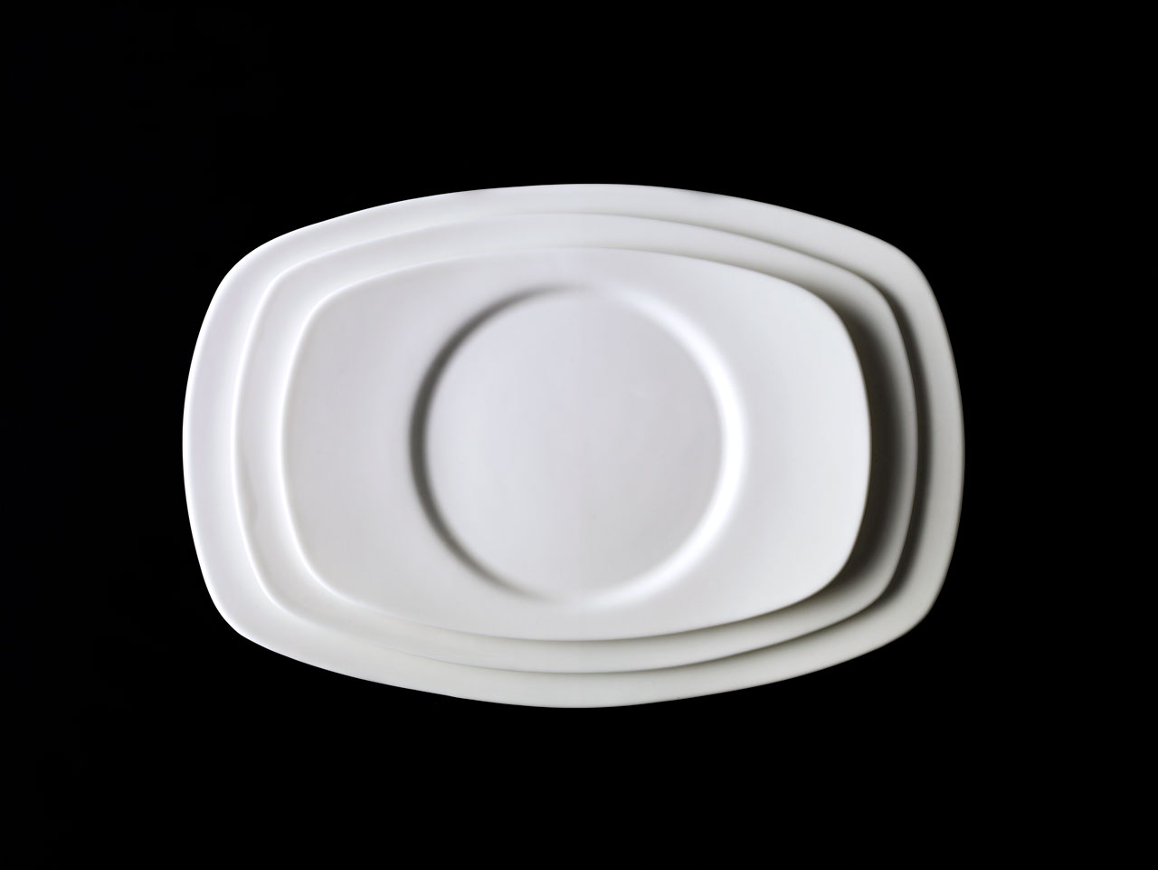Bent Brandt - TABL white bone china S1 oval saucer and plate on oval platter
