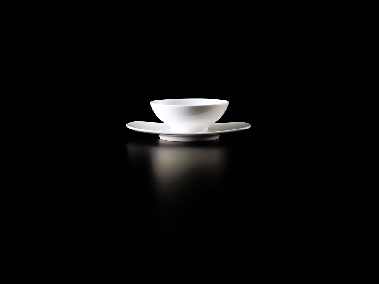 Bent Brandt - TABL white bone china S1 Bowl on S1 saucer