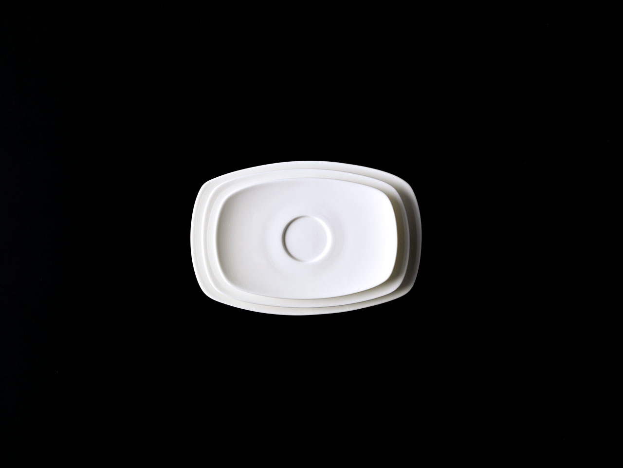 Bent Brandt - TABL white bone china S1 saucer, oval plate and oval platter
