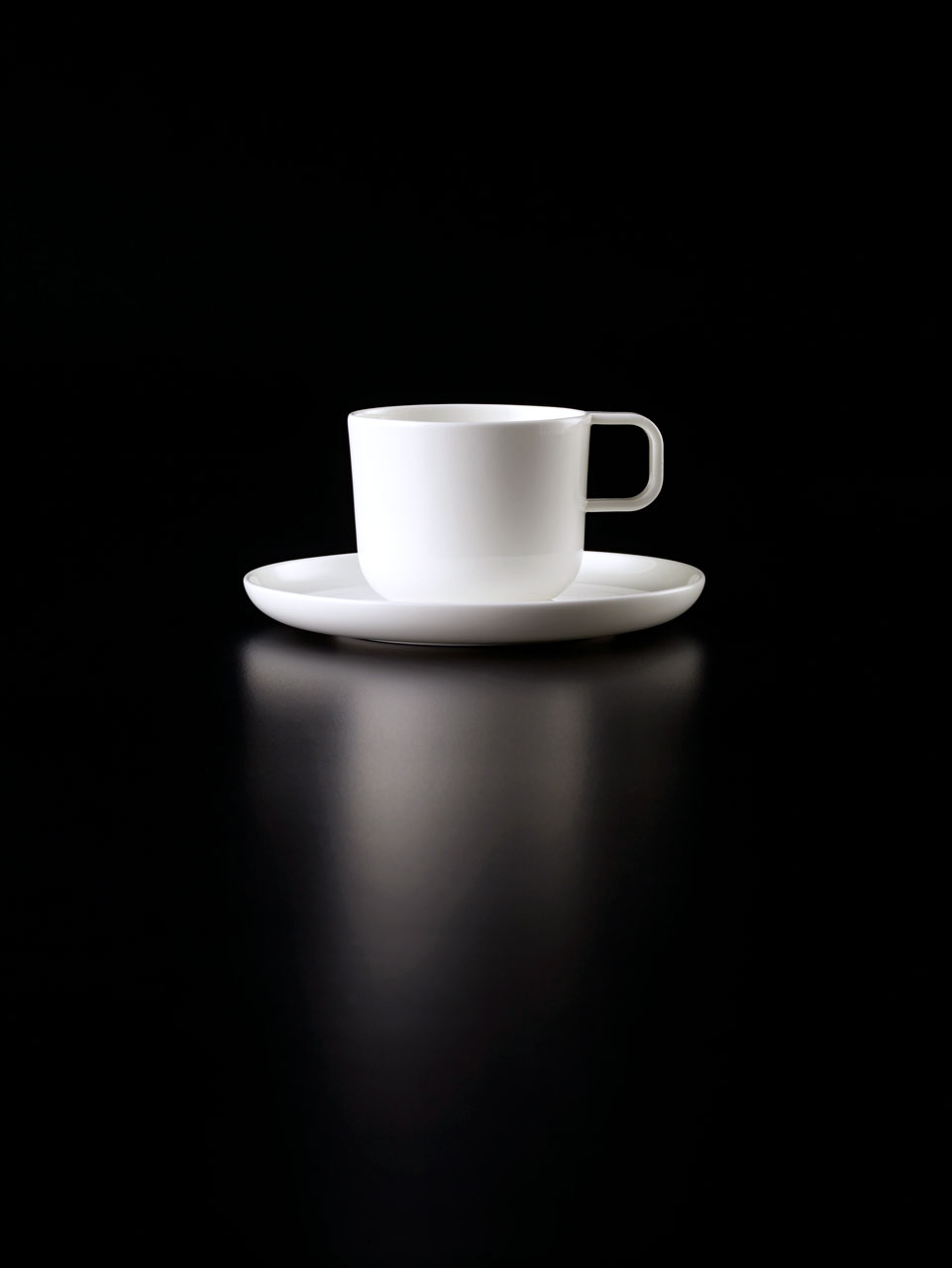 Bent Brandt - TABL white bone china S2 cup on S2 saucer