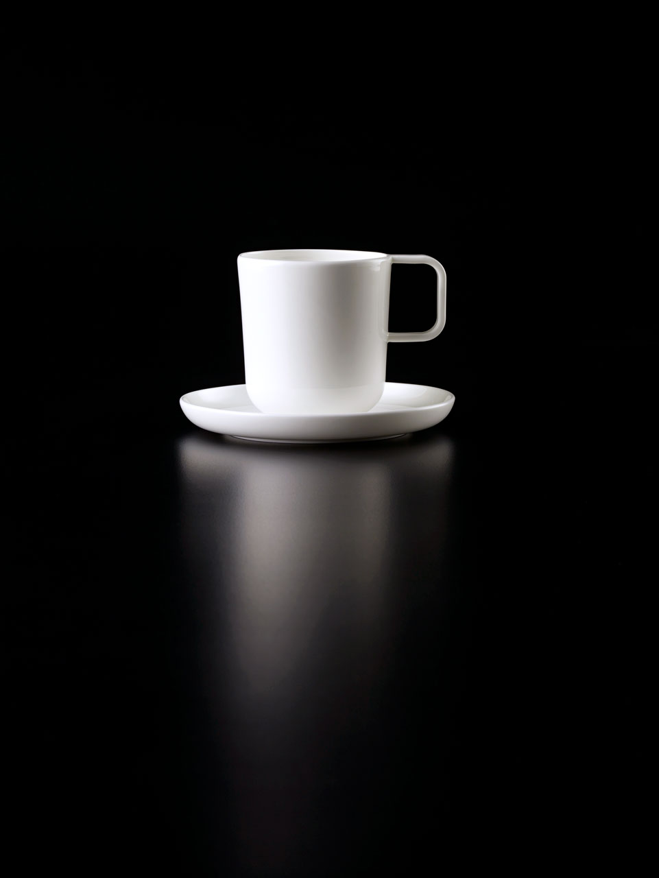 Bent Brandt - TABL white bone china S2 cmug on S2 saucer