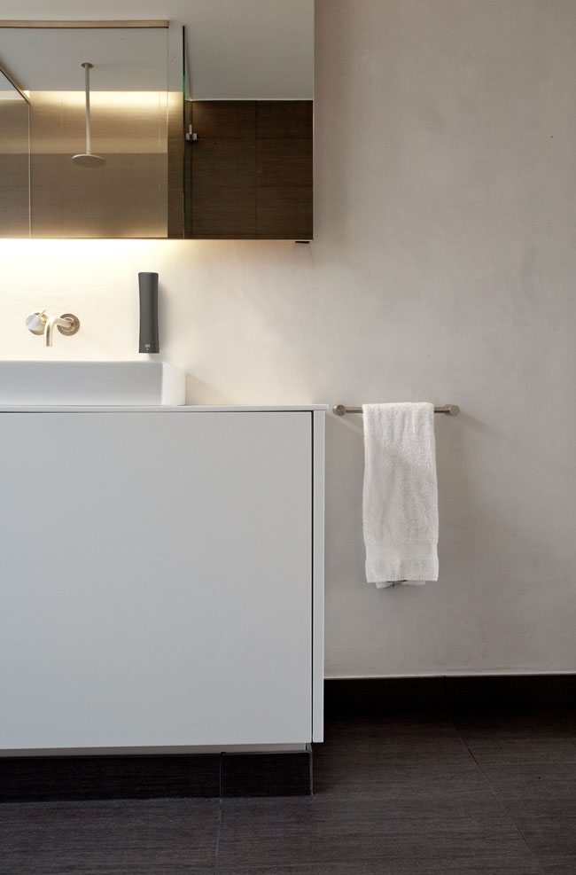 ILLI 2 Soap Dispenser System for Scandinavian Amenities, 2009
